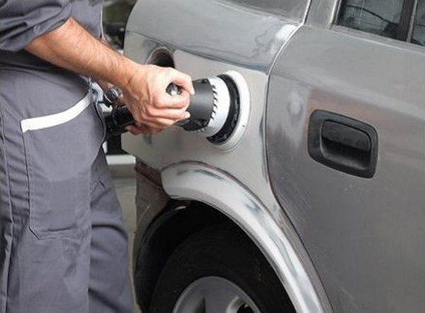 Вытягивание кузова автомобиля